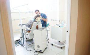 Врач-стоматолог